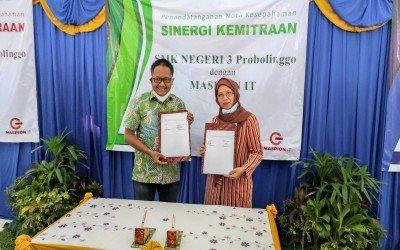 Penandatanganan MoU SMKN 3 Probolinggo dengan PT MASPION IT
